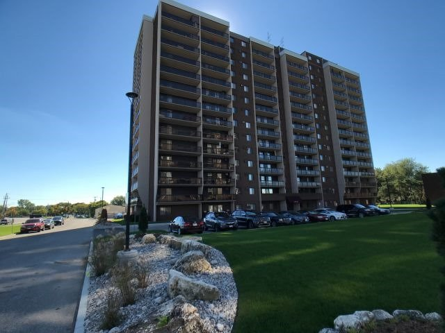 House for sale at 718-9099 Riverside Drive Windsor Ontario - MLS: X4265935