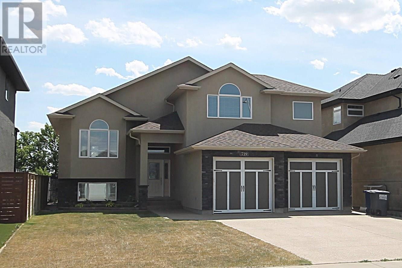 719 Atton Crescent, Saskatoon   Image 1
