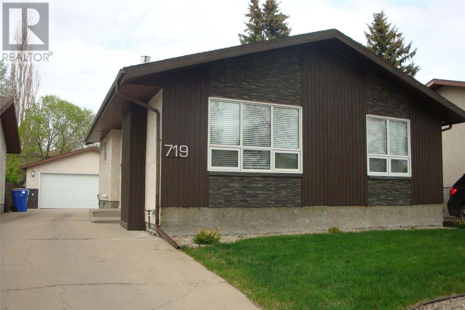 House for sale at 719 Bard Cres Regina Saskatchewan - MLS: SK809693