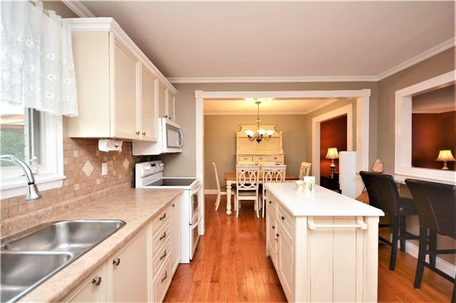 For Sale: 72 Briar Road, Barrie, ON | 3 Bed, 3 Bath House for $529,900. See 20 photos!