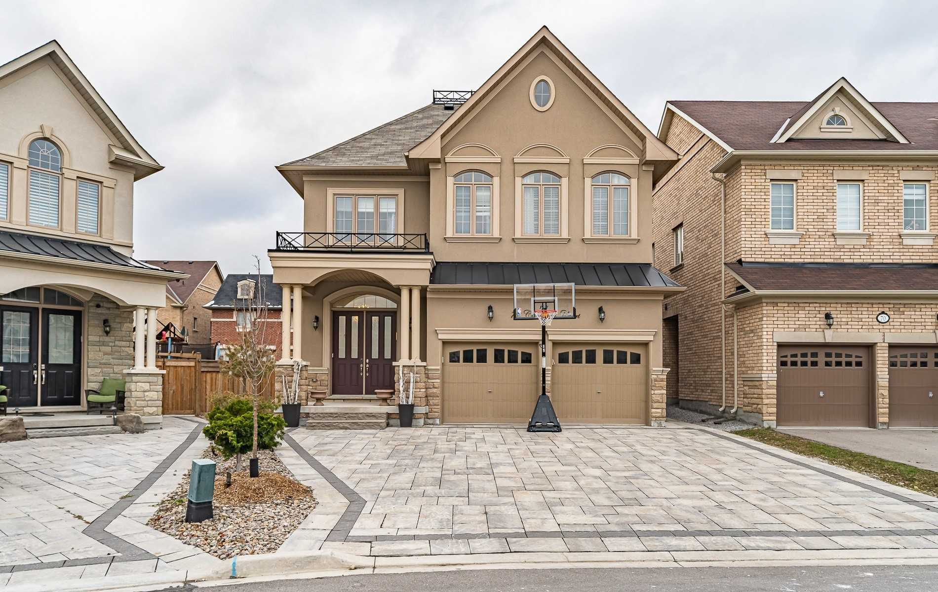 For Rent: 72 Chaiwood Court, Vaughan, ON | 5 Bed, 4 Bath House for $4100.00. See 32 photos!