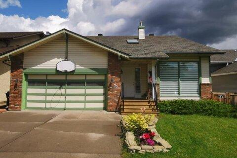 House for sale at 72 Edgeland Ri NW Calgary Alberta - MLS: A1011650