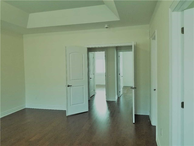 For Rent: 72 Ruffle Lane, Richmond Hill, ON   3 Bed, 3 Bath Townhouse for $2,300. See 11 photos!