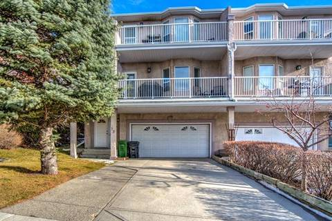 Townhouse for sale at 72 Sierra Morena Green Southwest Calgary Alberta - MLS: C4243095