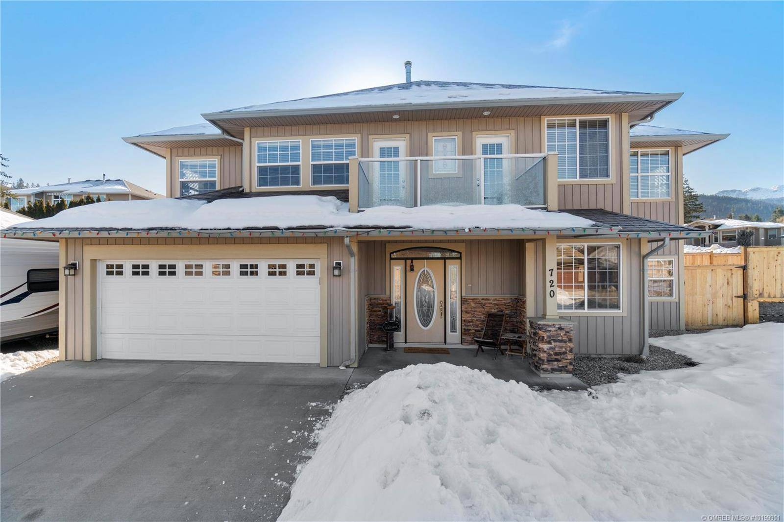 House for sale at 720 12th St Southeast Salmon Arm British Columbia - MLS: 10199901