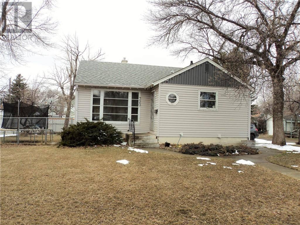 House for sale at 720 7 St S Lethbridge Alberta - MLS: ld0191881