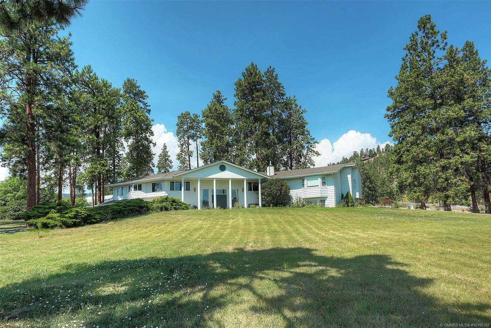 Home for sale at 720 Curtis Rd Kelowna British Columbia - MLS: 10196302