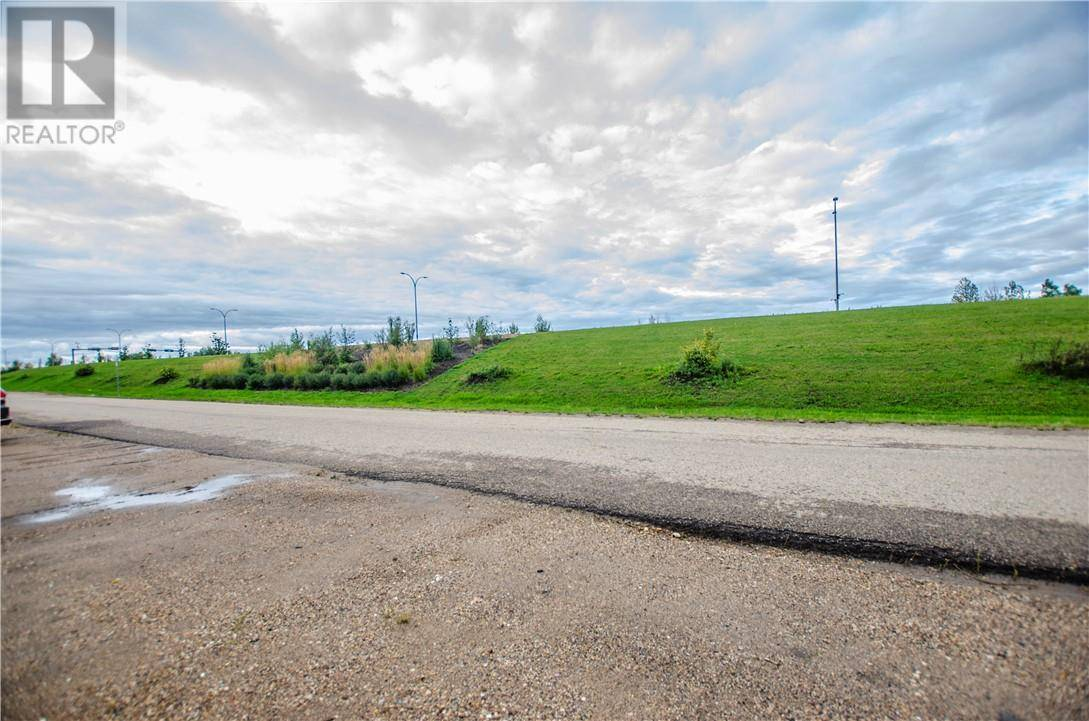 7209 Railway Avenue, Fort Mcmurray   Image 2