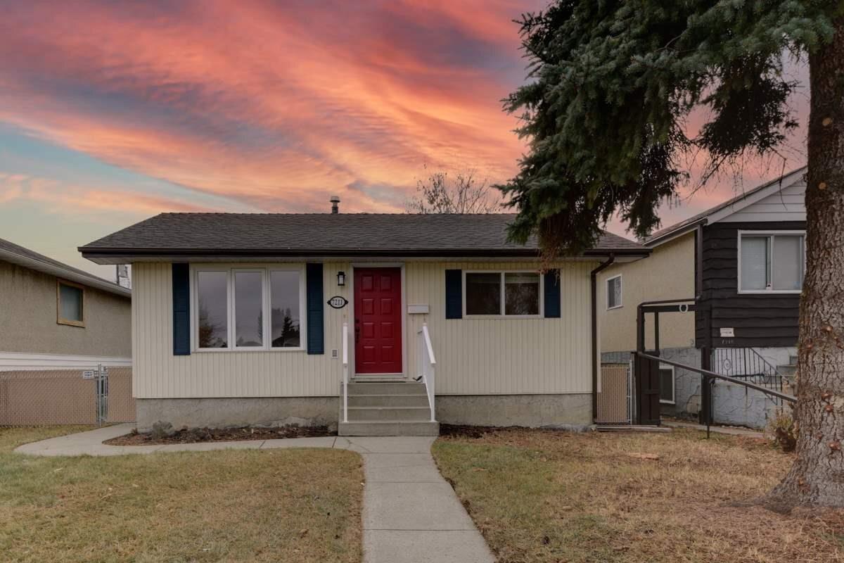 House for sale at 7211 83 Av NW Edmonton Alberta - MLS: E4220430