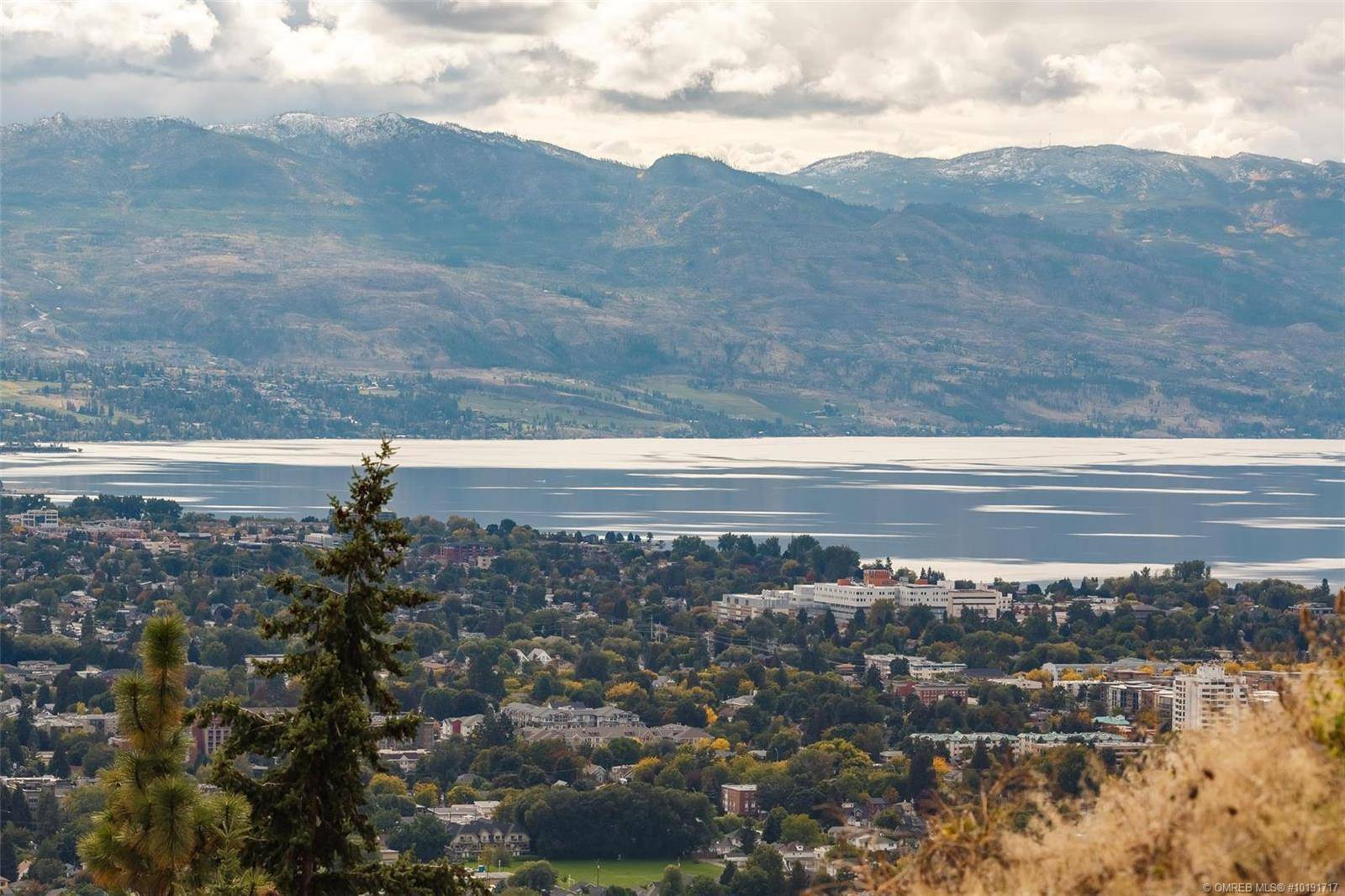 Home for sale at 722 Highpointe Pl Kelowna British Columbia - MLS: 10191717