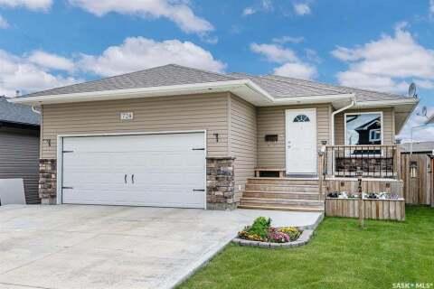 House for sale at 724 Quessy Dr Martensville Saskatchewan - MLS: SK816808
