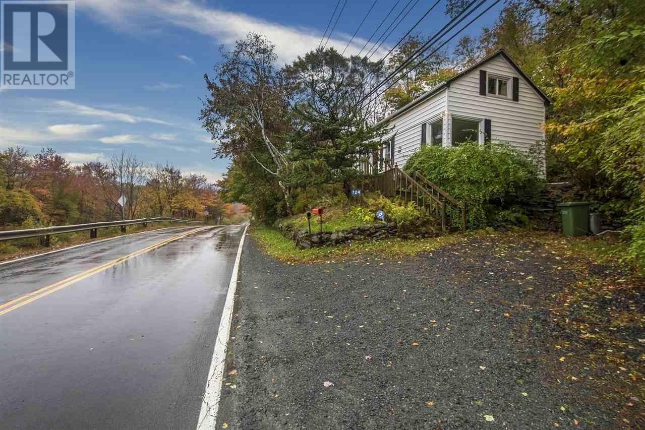 House for sale at 724 Windsor Junction Rd Windsor Junction Nova Scotia - MLS: 202021605