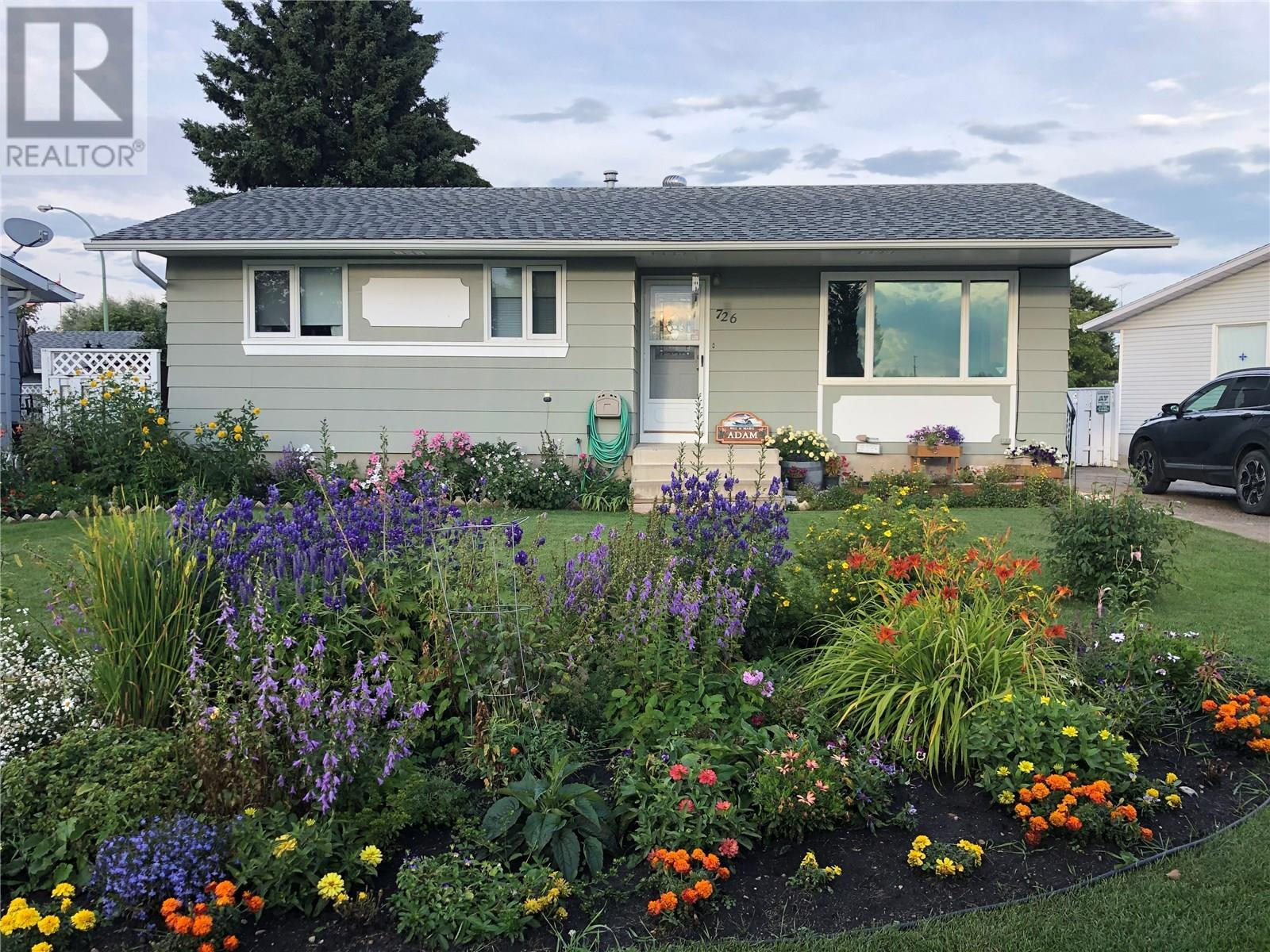 726 Hudson Crescent Hudson Bay For Sale 159 900
