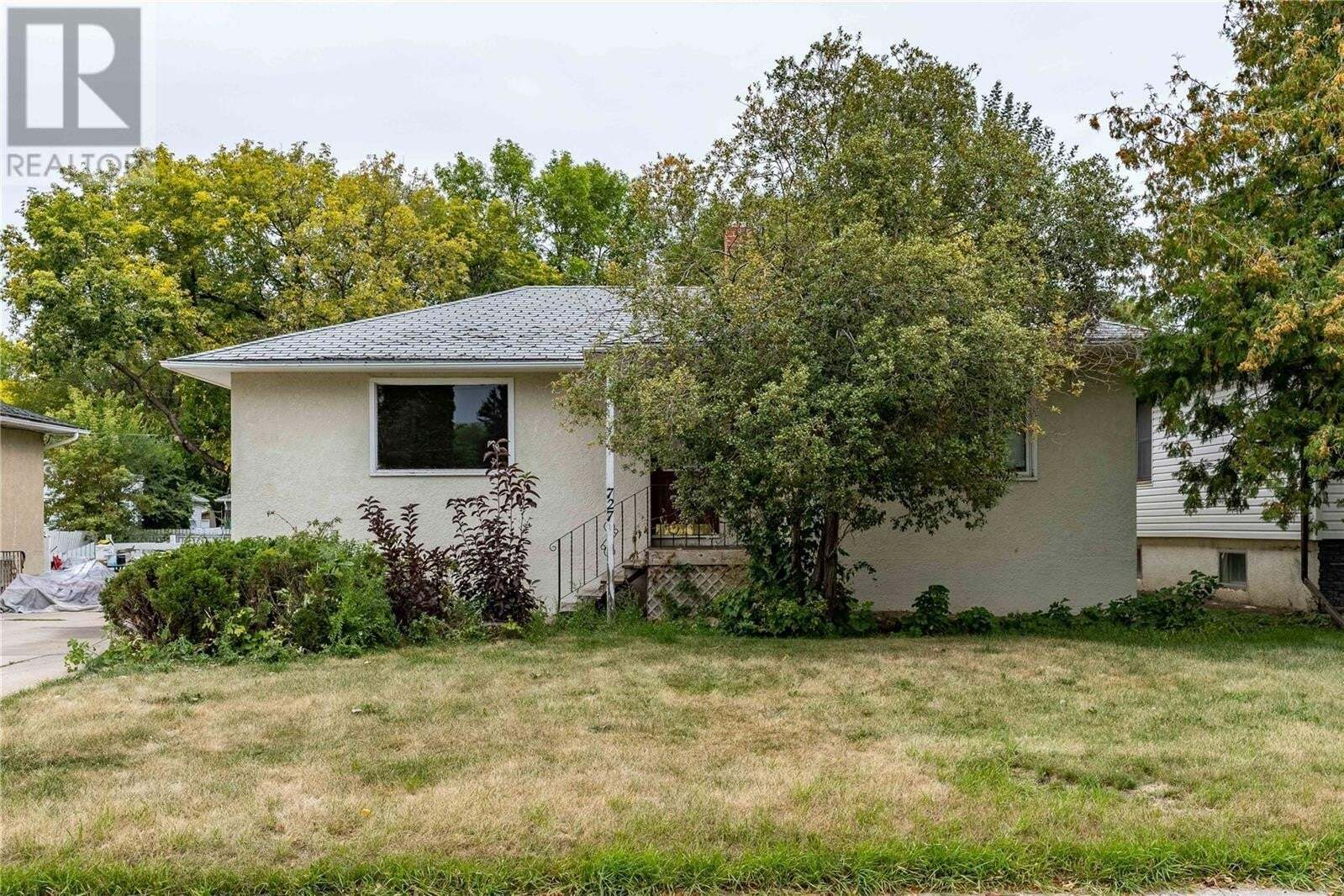 House for sale at 727 3rd St E Saskatoon Saskatchewan - MLS: SK826847