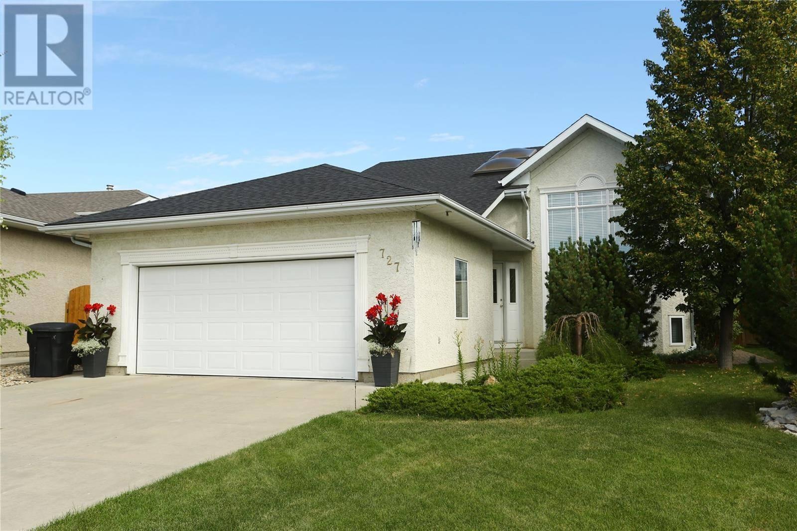 House for sale at 727 Bayview Cs Saskatoon Saskatchewan - MLS: SK784021