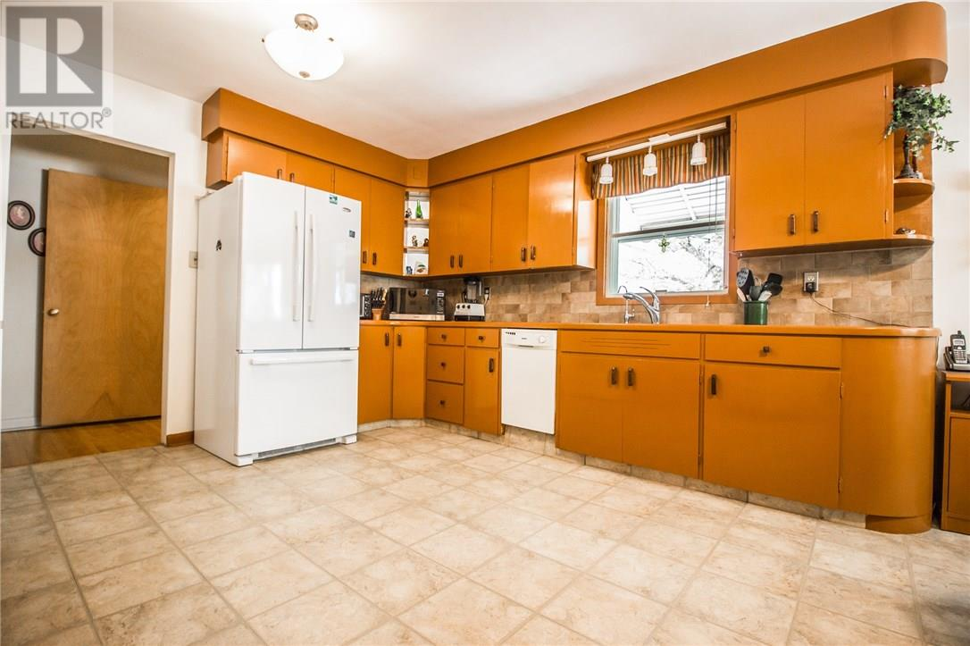 For Sale: 729 - 7 Street Sw, Medicine Hat, AB | 4 Bed, 2 Bath House for $239,900. See 27 photos!