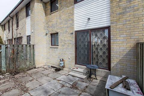 Condo for sale at 44 Fleetwood Cres Brampton Ontario - MLS: W4445329