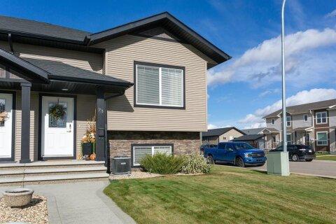 Townhouse for sale at 73 Crimson Ct Blackfalds Alberta - MLS: A1042764