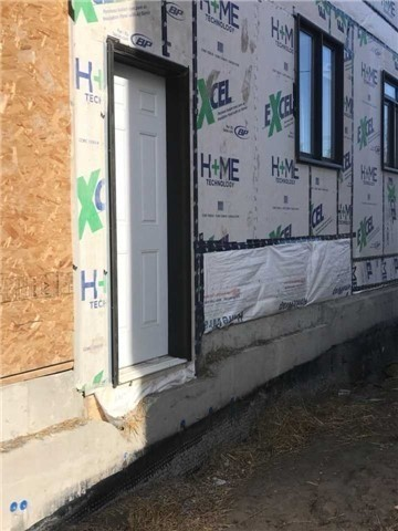For Sale: 73 Holland Vista Street, East Gwillimbury, ON | 4 Bed, 5 Bath House for $1,098,000. See 12 photos!