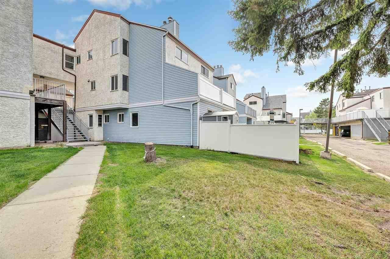 Townhouse for sale at 73 Lancaster Te Nw Edmonton Alberta - MLS: E4172465