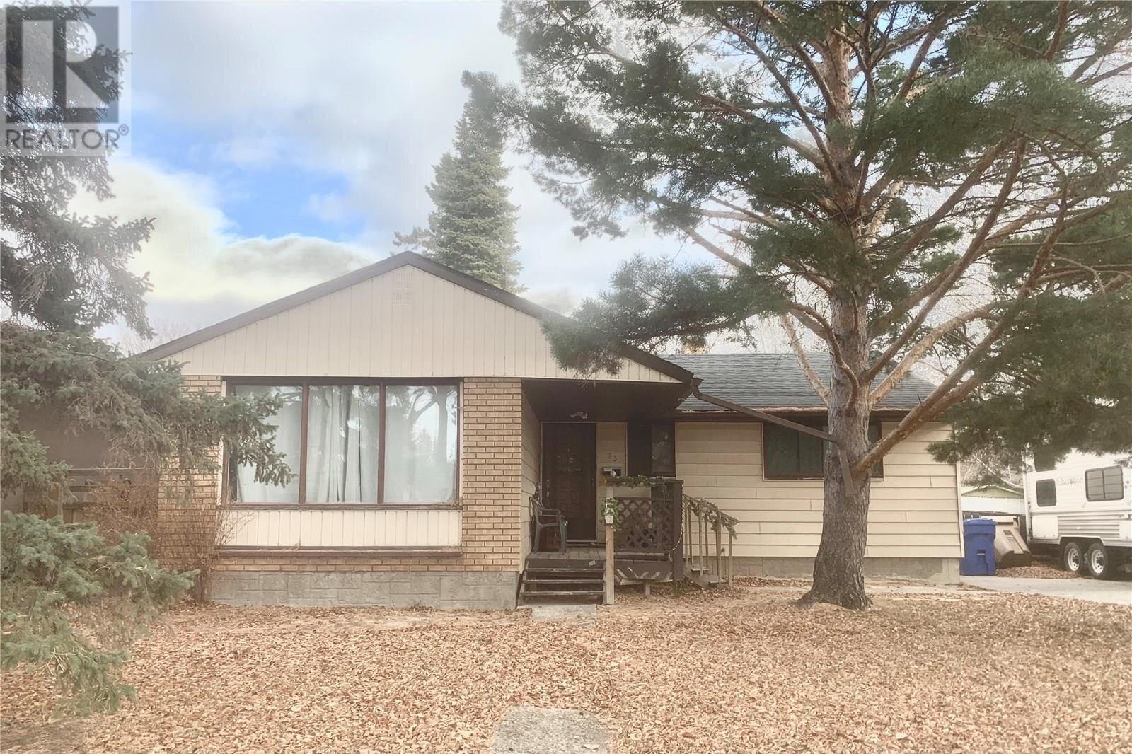 House for sale at 73 Langley St Regina Saskatchewan - MLS: SK831712