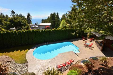 House for sale at 7305 Redrooffs Rd Halfmoon Bay British Columbia - MLS: R2344676