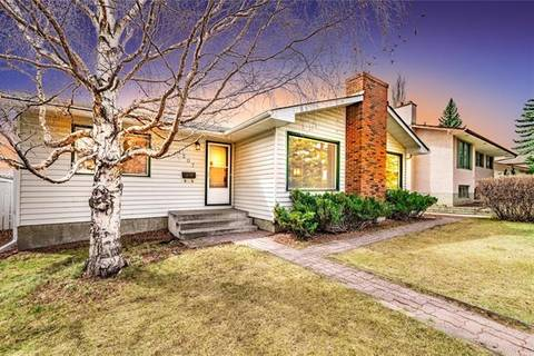House for sale at 7307 Silver Springs Rd Northwest Calgary Alberta - MLS: C4295492