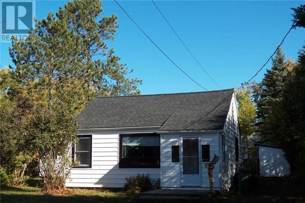 House for sale at 731 Athlone St Fredericton New Brunswick - MLS: NB050644