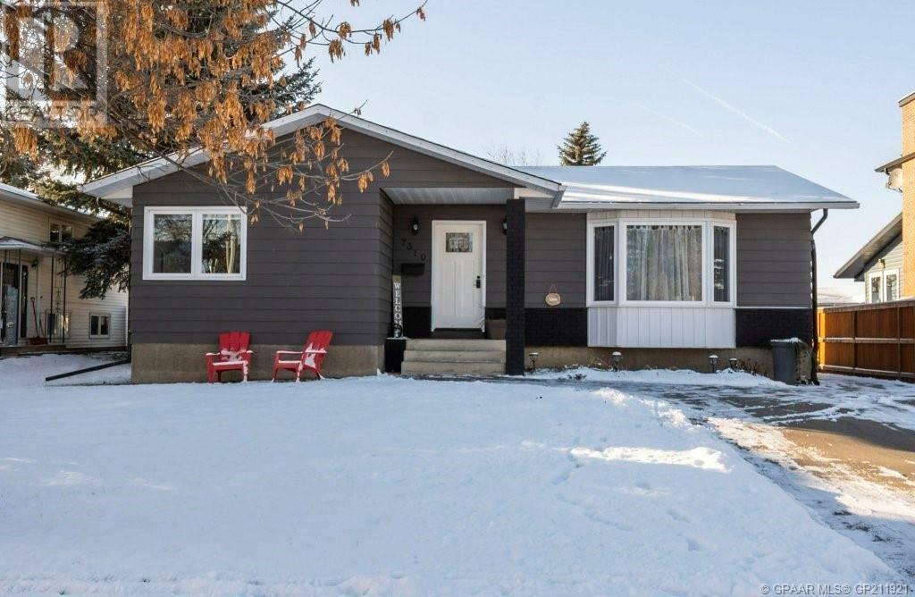House for sale at 7310 97a St Grande Prairie Alberta - MLS: GP211921
