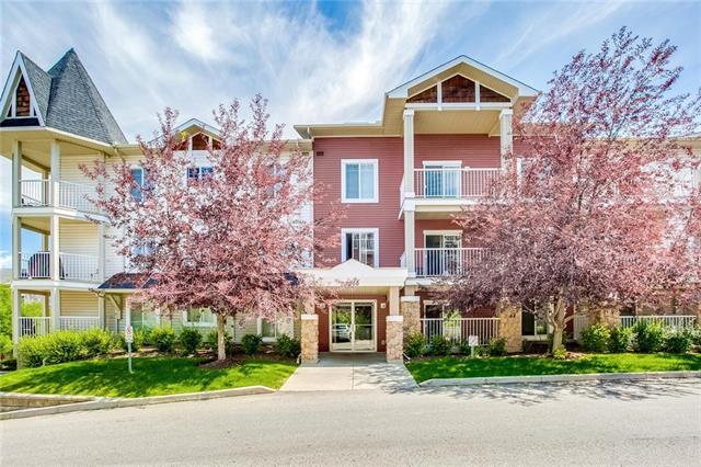 Sold: 7313 - 70 Panamount Drive Northwest, Calgary, AB