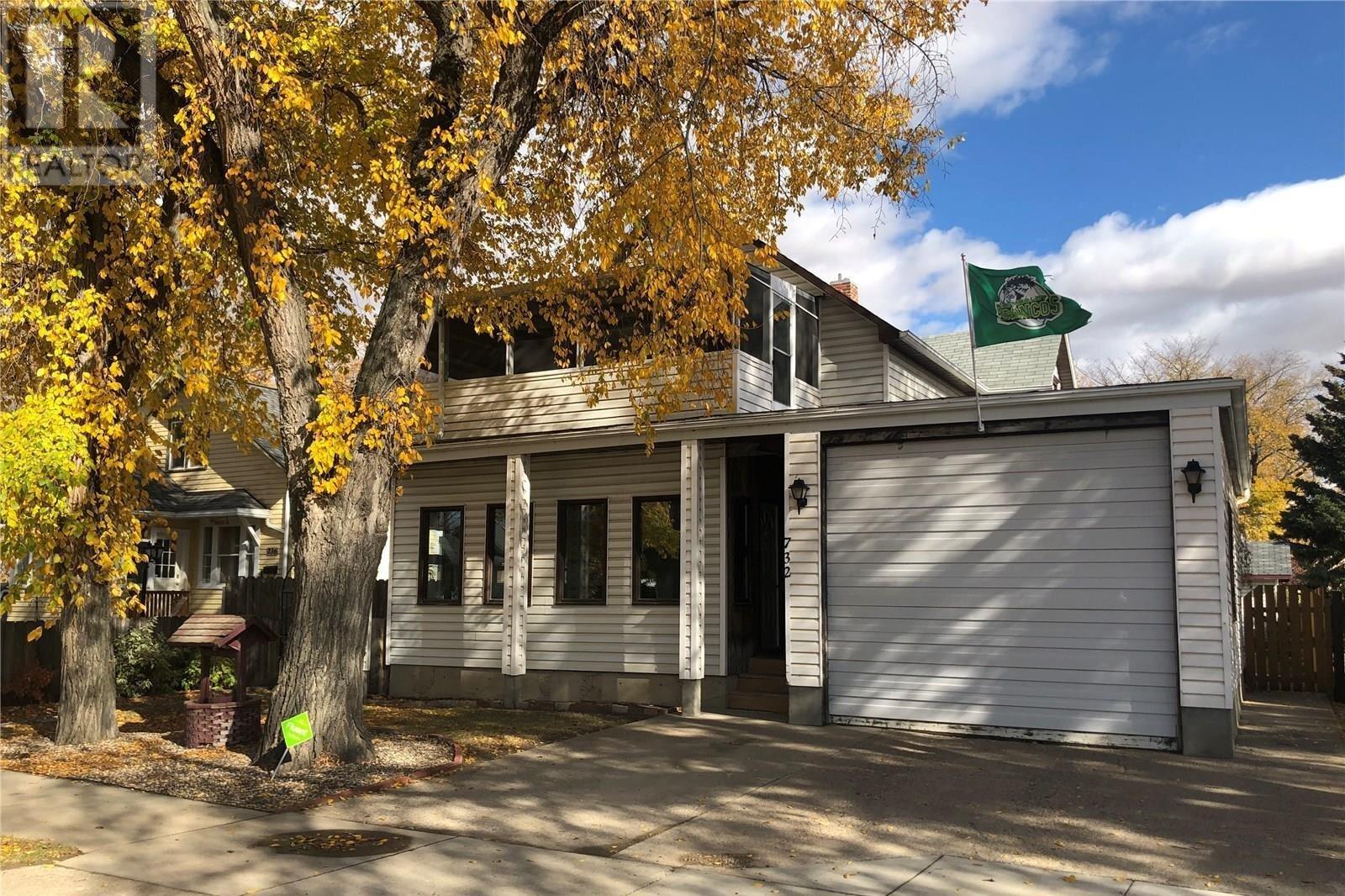 House for sale at 732 6th St Humboldt Saskatchewan - MLS: SK829005