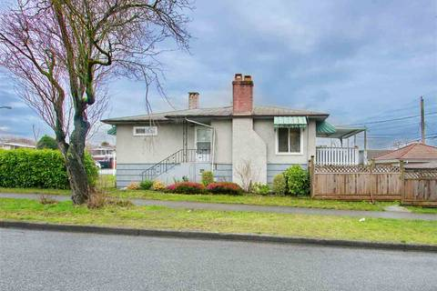 House for sale at 7320 Inverness St Vancouver British Columbia - MLS: R2429721