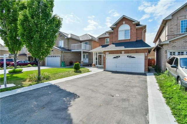 For Sale: 7324 Village Walk, Mississauga, ON | 3 Bed, 4 Bath House for $849,900. See 20 photos!
