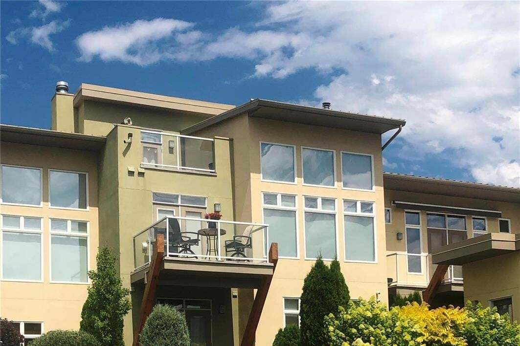 Townhouse for sale at 7325 Pointe Sage Dr Coldstream British Columbia - MLS: 10201468
