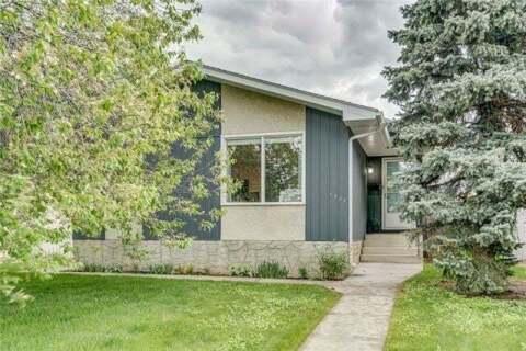 House for sale at 7328 Huntley Rd Northeast Calgary Alberta - MLS: C4300174