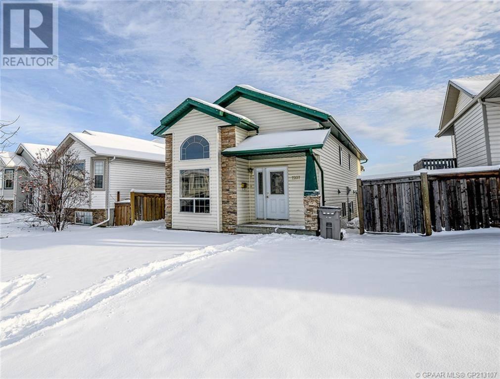 House for sale at 7337 106 St Grande Prairie Alberta - MLS: GP213107