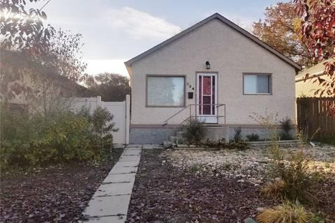 House for sale at 734 Elphinstone St Regina Saskatchewan - MLS: SK790059