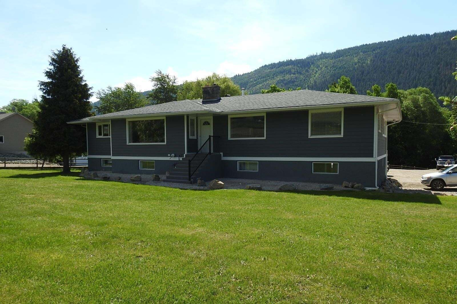 House for sale at 7340 6 Hy Coldstream British Columbia - MLS: 10184590