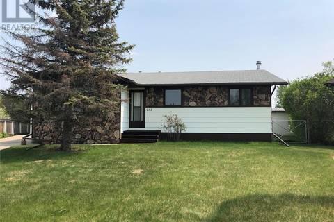 House for sale at 735 Willow Pl Hudson Bay Saskatchewan - MLS: SK773548