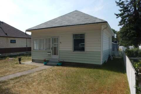 House for sale at 736 12b St N Lethbridge Alberta - MLS: A1028158
