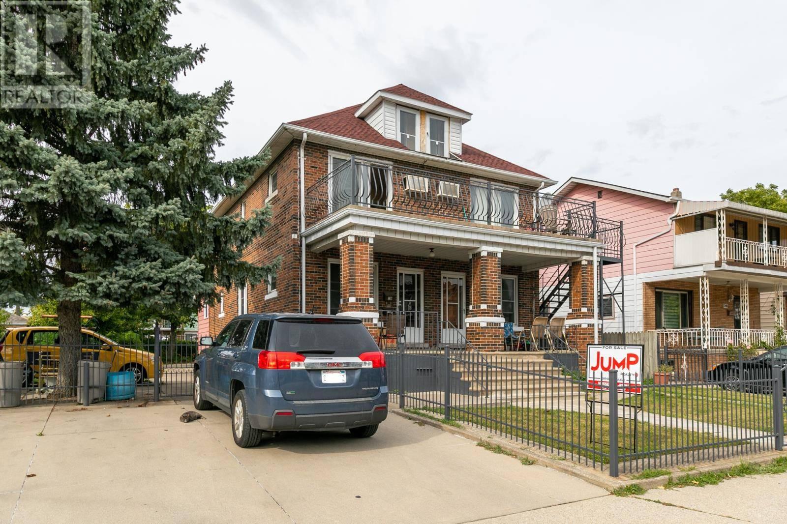 Townhouse for sale at 736 Elliott St East Windsor Ontario - MLS: 19026218