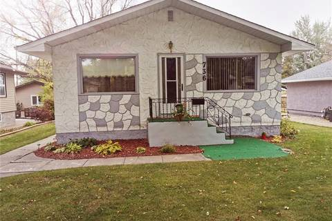 House for sale at 736 Duffield St W Moose Jaw Saskatchewan - MLS: SK788804
