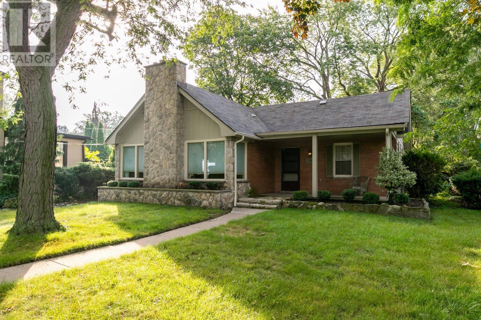 House for sale at 7363 Riverside Dr East Windsor Ontario - MLS: 19024748