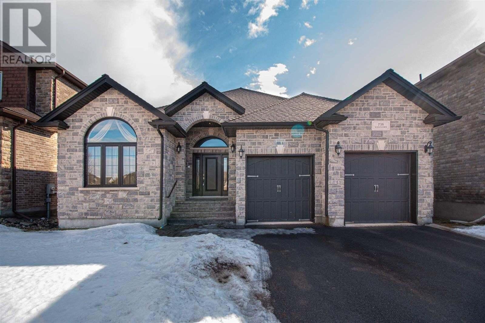 House for sale at 738 Kananaskis Dr Kingston Ontario - MLS: K20001243