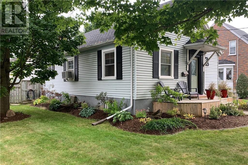 House for sale at 738 Lock St Peterborough Ontario - MLS: 40041834