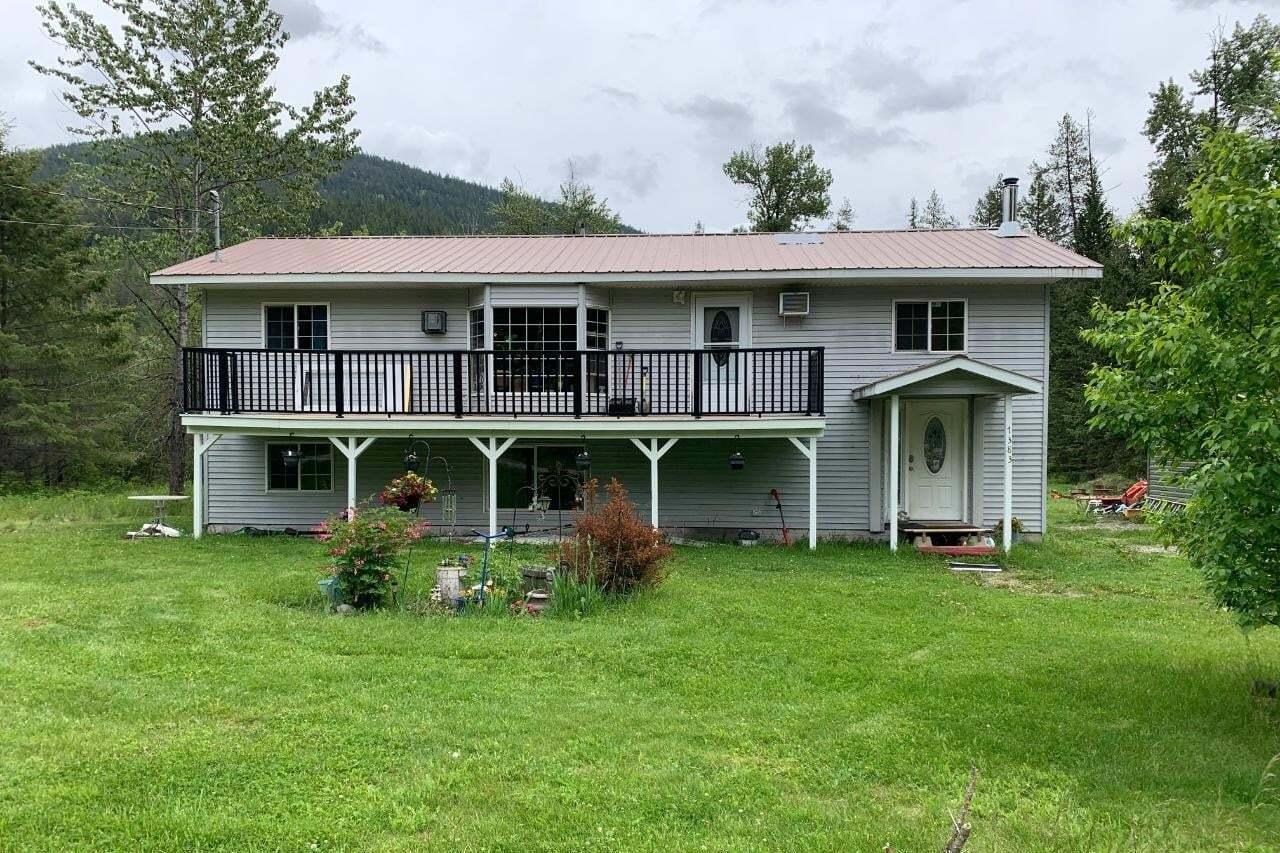 House for sale at 7383 Majestic Road  Creston British Columbia - MLS: 2450461