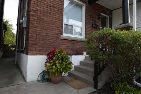 Townhouse for rent at 739 Cannon St Hamilton Ontario - MLS: X4943538