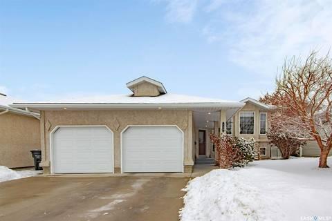 House for sale at 739 Pezer Ct Saskatoon Saskatchewan - MLS: SK801741