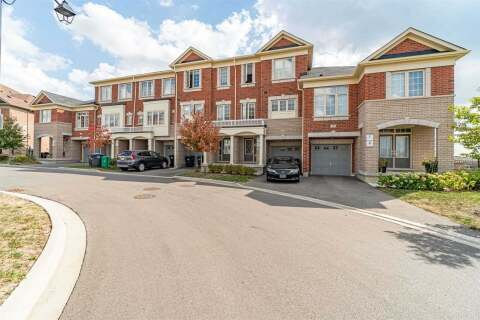 Townhouse for sale at 74 Aspen Hills Rd Brampton Ontario - MLS: W4932915