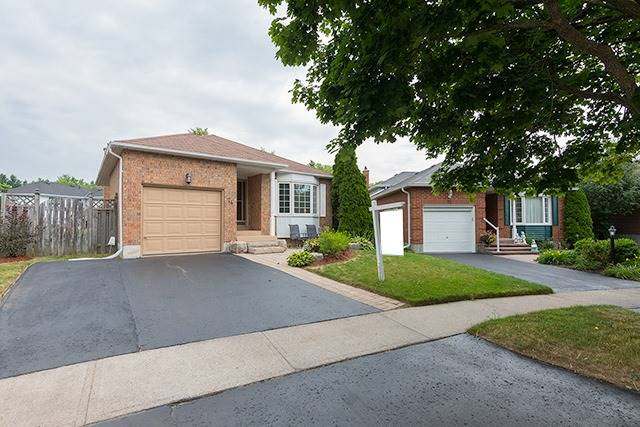 House for sale at 74 Homefield Square Clarington Ontario - MLS: E4290757